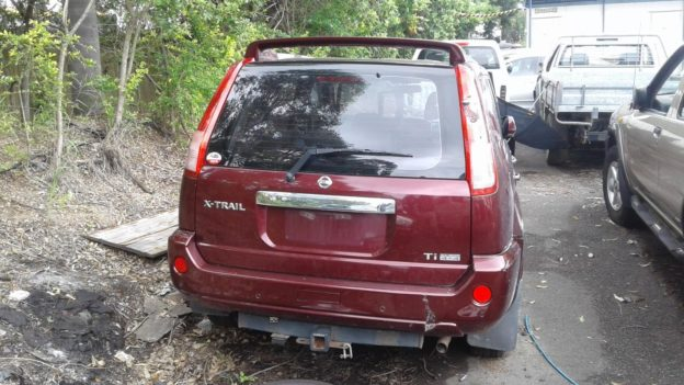 2004 Nissan X-Trail Maroon