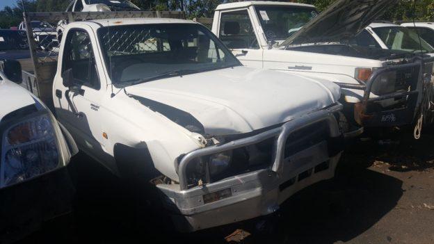 2002 Toyota Hilux White